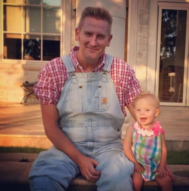 Rory Feek escribe mensaje a quienes le llaman error a su hija