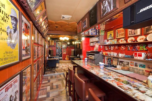 Groovy Music Bar