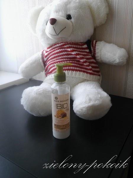 Kosmetycznie: Czy mleczko z Yves Rocher świetnie nawilża i jeszcze lepiej pachnie?