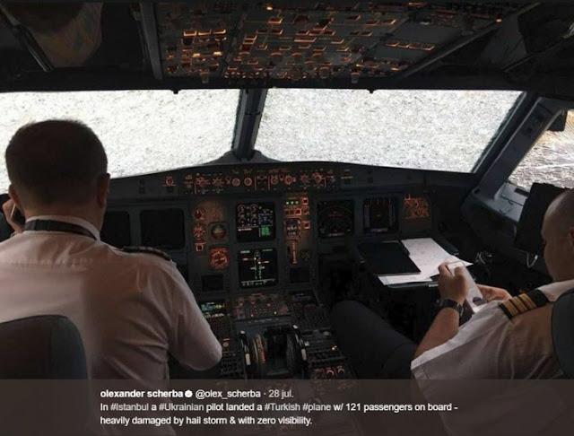 Aterrizaje forzoso con nada de visión; el piloto ganó presea