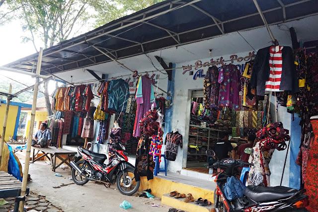 Kios batik pasar 17 Agustus Pamekasan