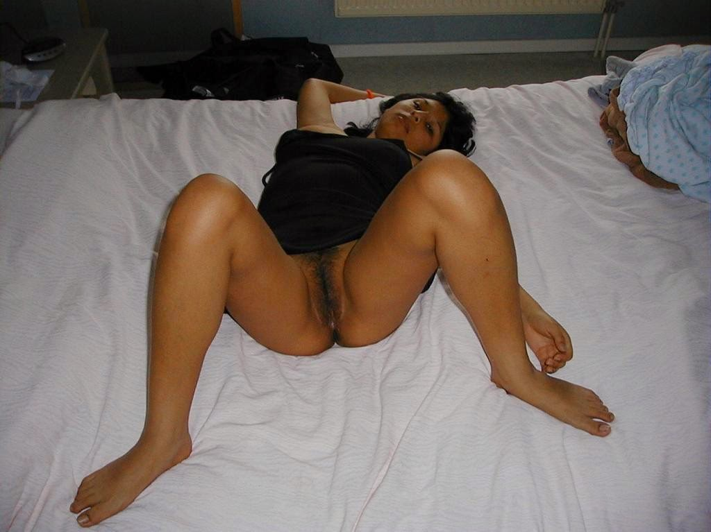 Hot Marwadi Bhabhi On Bed Ready To Get Fucked  Veronica -1153