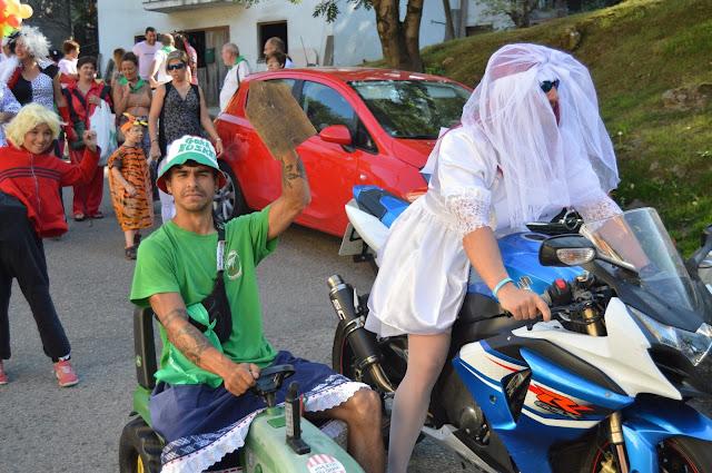 Bajada de disfraces de las fiestas de El Regato