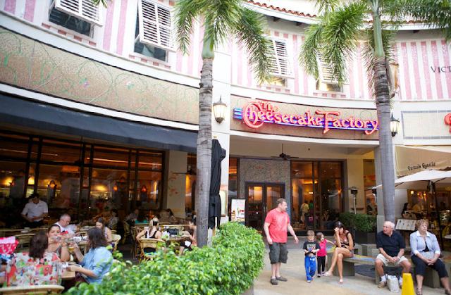 Praça de alimentação do Aventura Mall em Miami