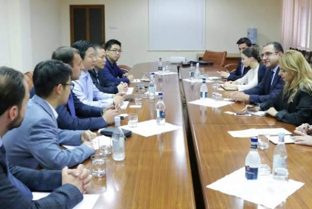 Delegación empresarial de China dialoga con el ministro interino de desarrollo económico e inversiones, Tigran Khachatryan