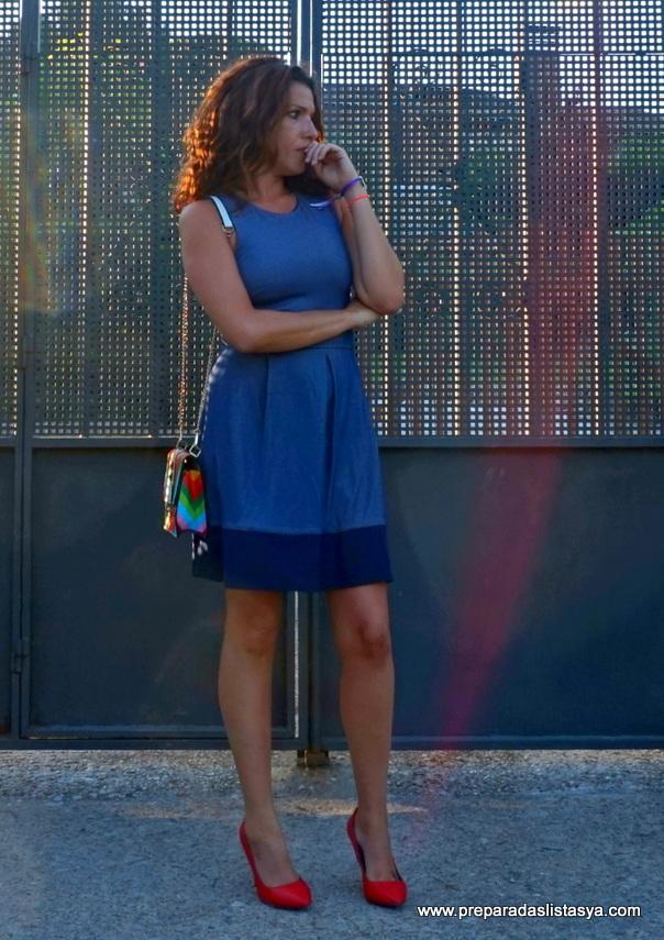 Vestido corto tonos azules marino
