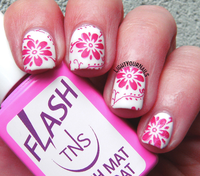 Red flowers matte stamped nail art