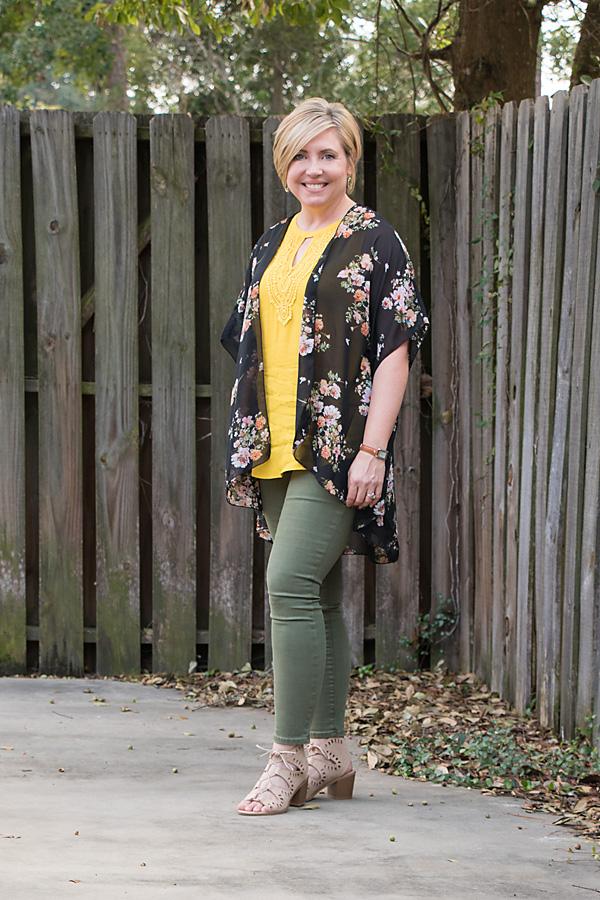 perfect layer, warm fall outfit, fall outfit, fall kimono, kimono outfit