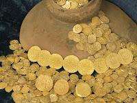 Pemburu Harta Karun Temukan Koin Emas Senilai 4,5 Juta Dollar