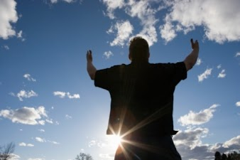 Bom é louvar ao Senhor
