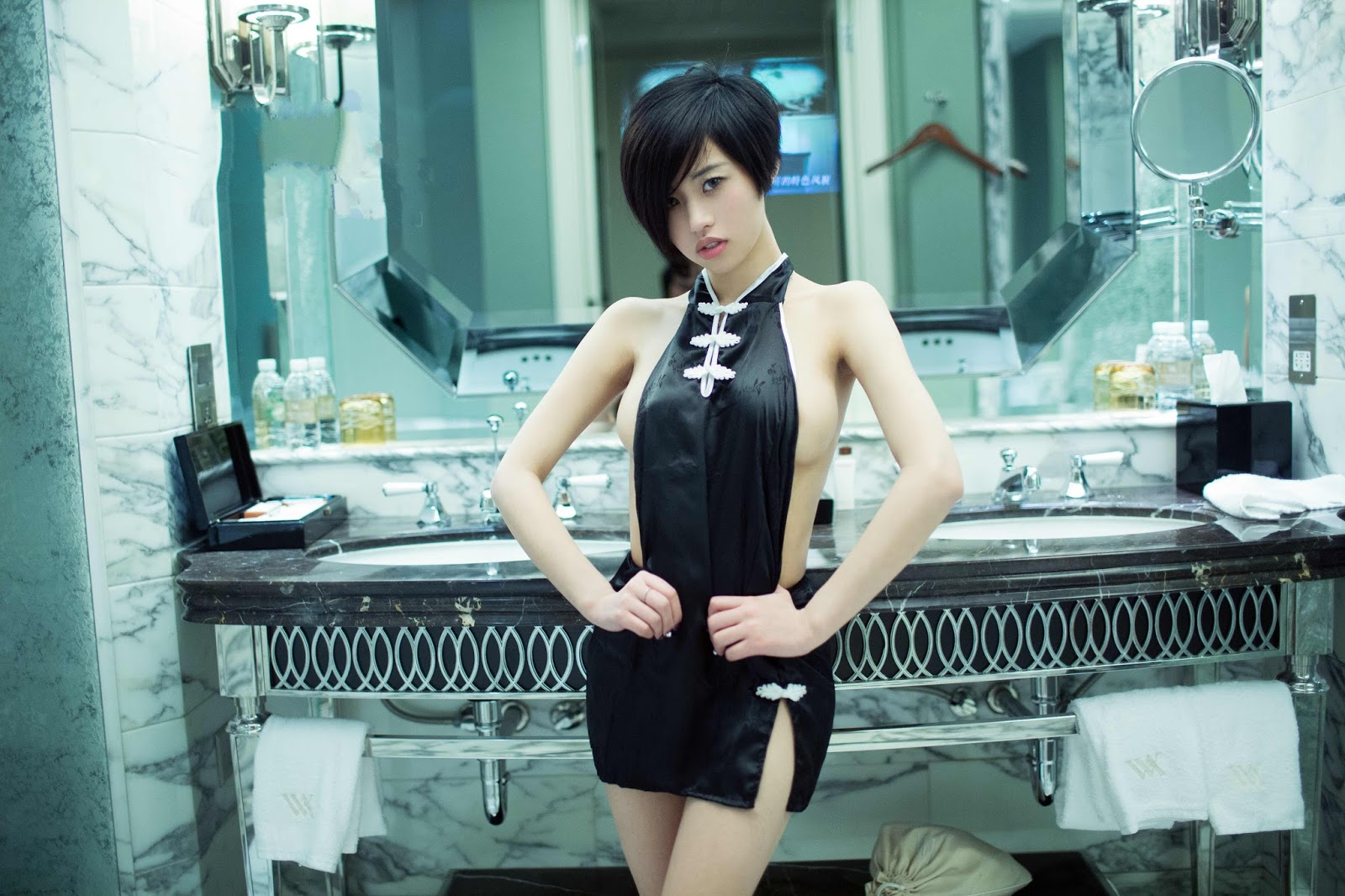 Sexiest Bodies Pretty Chinese Girl Lina 推女郎 Tempting Maid Naked
