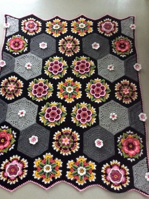 Frida's Flowers Afghan - Free Pattern