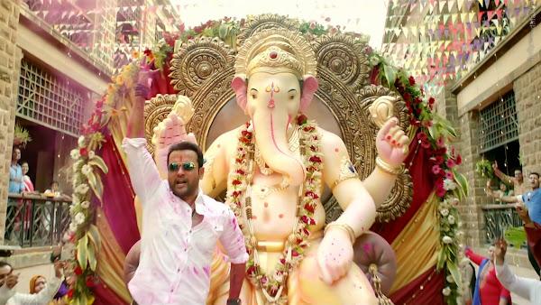 Kaabil-Hrithik_Roshan-Yami_Gautam-Urvashi_Rautela-images-pictures-download