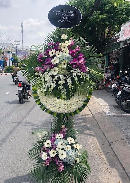 vòng hoa tang lễ đẹp giá rẻ nhất
