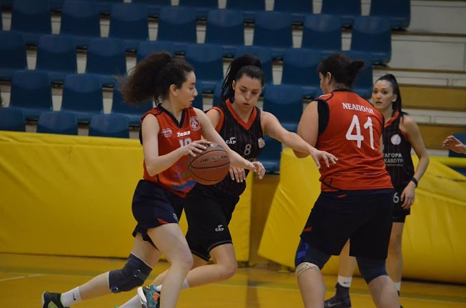 Φωτορεπορτάζ και στιγμιότυπα από το χθεσινό παιχνίδι ΠΚ Νεάπολης-Πύργος Χαλάστρας για την Α΄ ΕΚΑΣΘ γυναικών