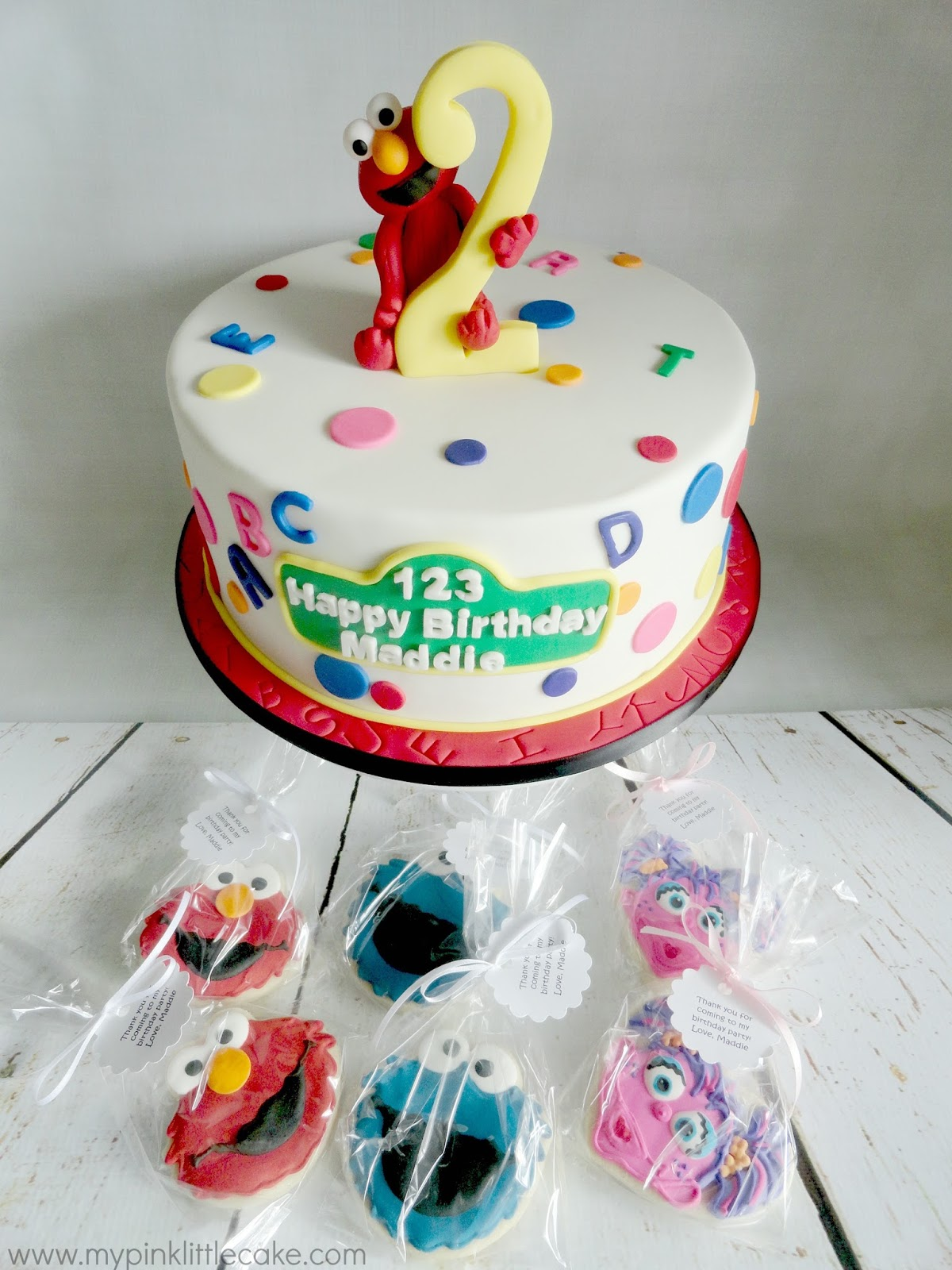 Elmo Theme Birthday Cake And Sesame Street Cookie Favors Posted By My Pink Little At 205 PM