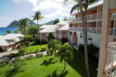 Jardin tropical de la Résidence avec vue sur la mer