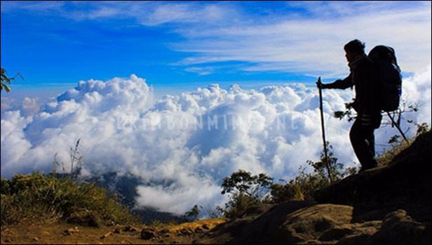 Mimpi Naik Gunung