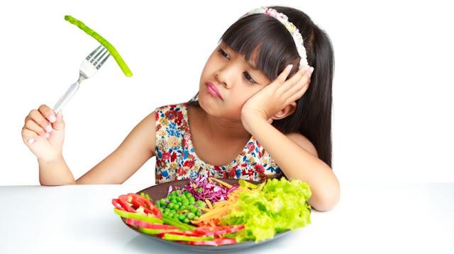 7 Kiat Mengatasi Anak yang Pilih-Pilih Makan