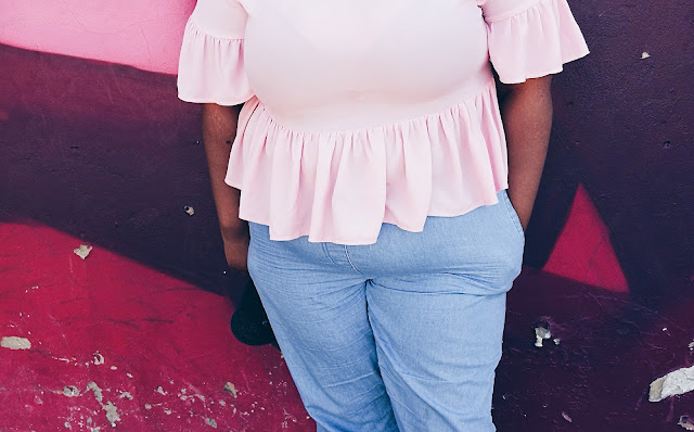 South african plus size blogger, how to style plus size chambray summer pants