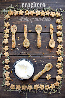 Пълнозърнести крекери с билки