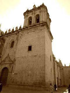 Uma das Torres da Iglesia de la Merced, em Cusco