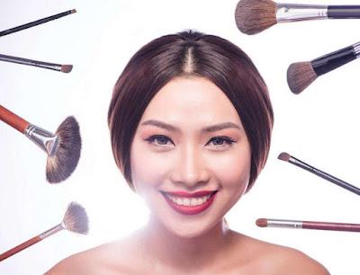 Dampak Buruk Sering Menggunakan Make Up Tebal