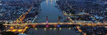 Pesona Jembatan Ampera