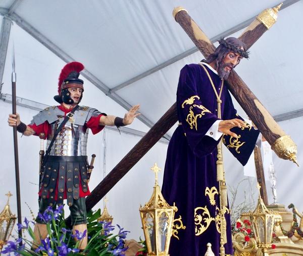 Paso de Nuestro Señor Jesús de la Salud. Real cofradía de Minerva y Vera Cruz. León. Foto G. Márquez.