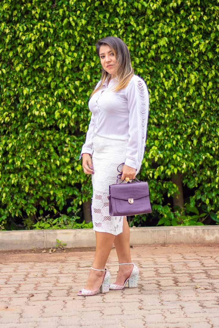 Camisa e saia branca para uma sexta casual