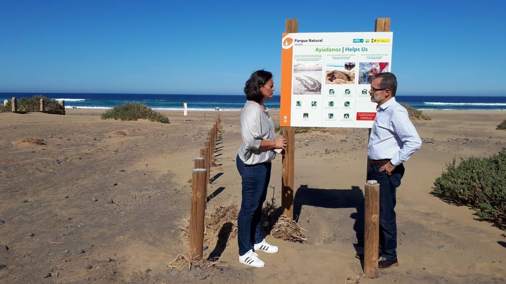 [Image: Fuerteventura%2Binstala%2Bpaneles%2Binfo...esovar.jpg]
