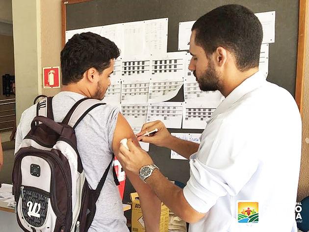 Em parceria com a UFAL Campus Sertão, Secretaria Municipal de Saúde de Delmiro Gouveia  realiza imunização contra a Febre Amarela
