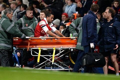 Chấn thương khiến Walcott phải xa sân cỏ trong 6 tháng