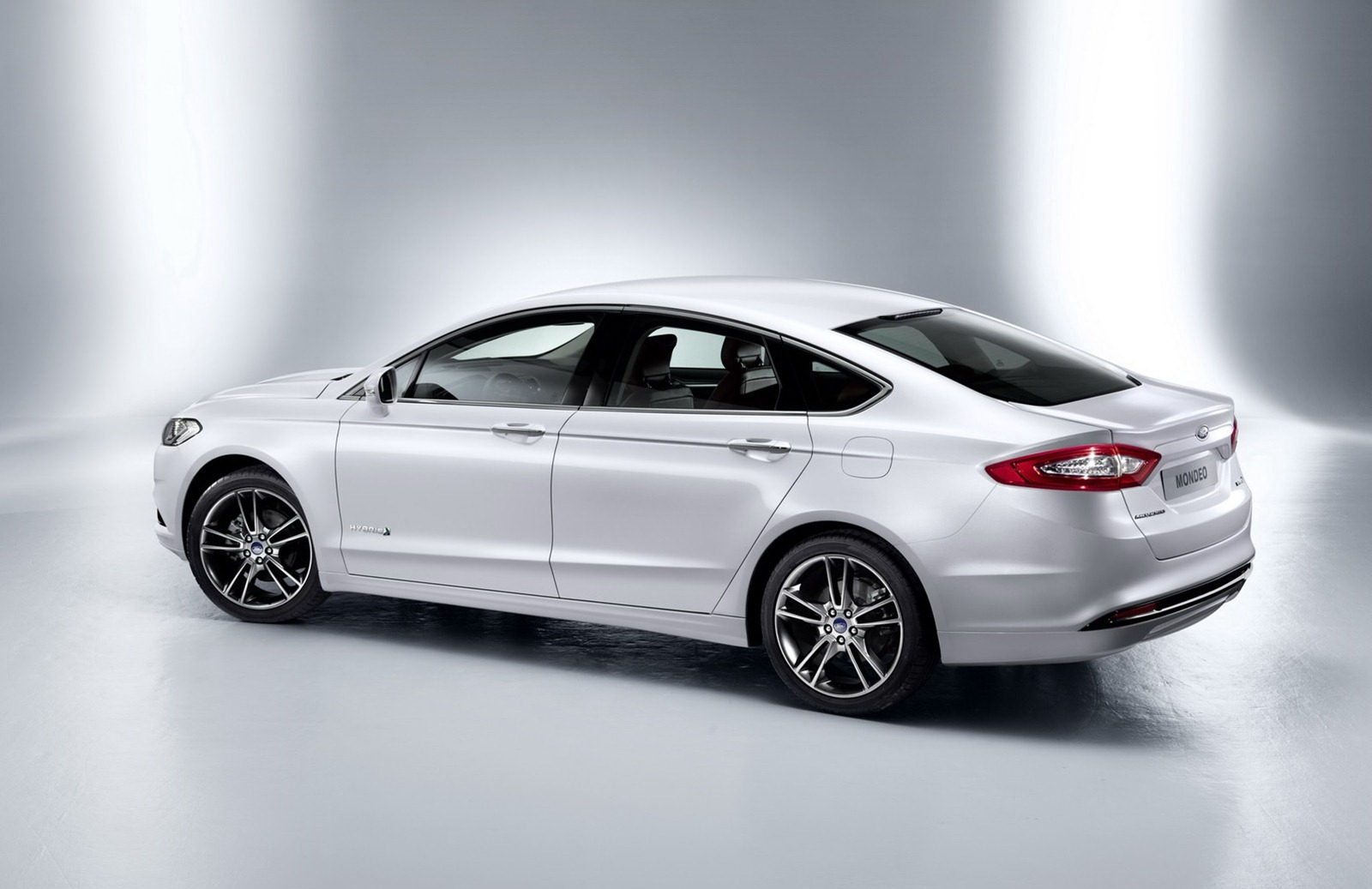 2014 Ford Fusion 5 Door