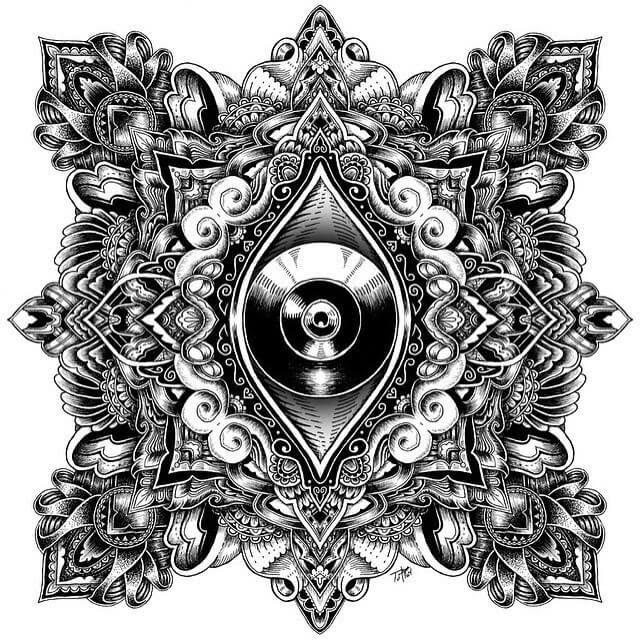08-Vertical-Eye-Tyler-Hays-www-designstack-co