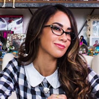 AJ Lee Launches $25,000 GoFundMe Campaign (Video)