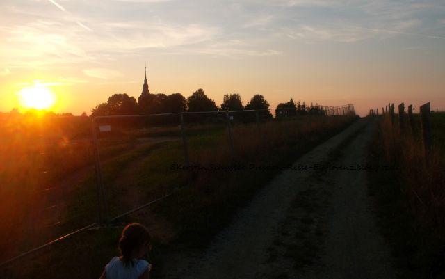 Kinder- und Jugendfarm Weißig neben Friedhof