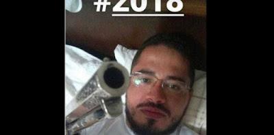 POLÊMICA: Padre posta foto apontando arma em redes sociais