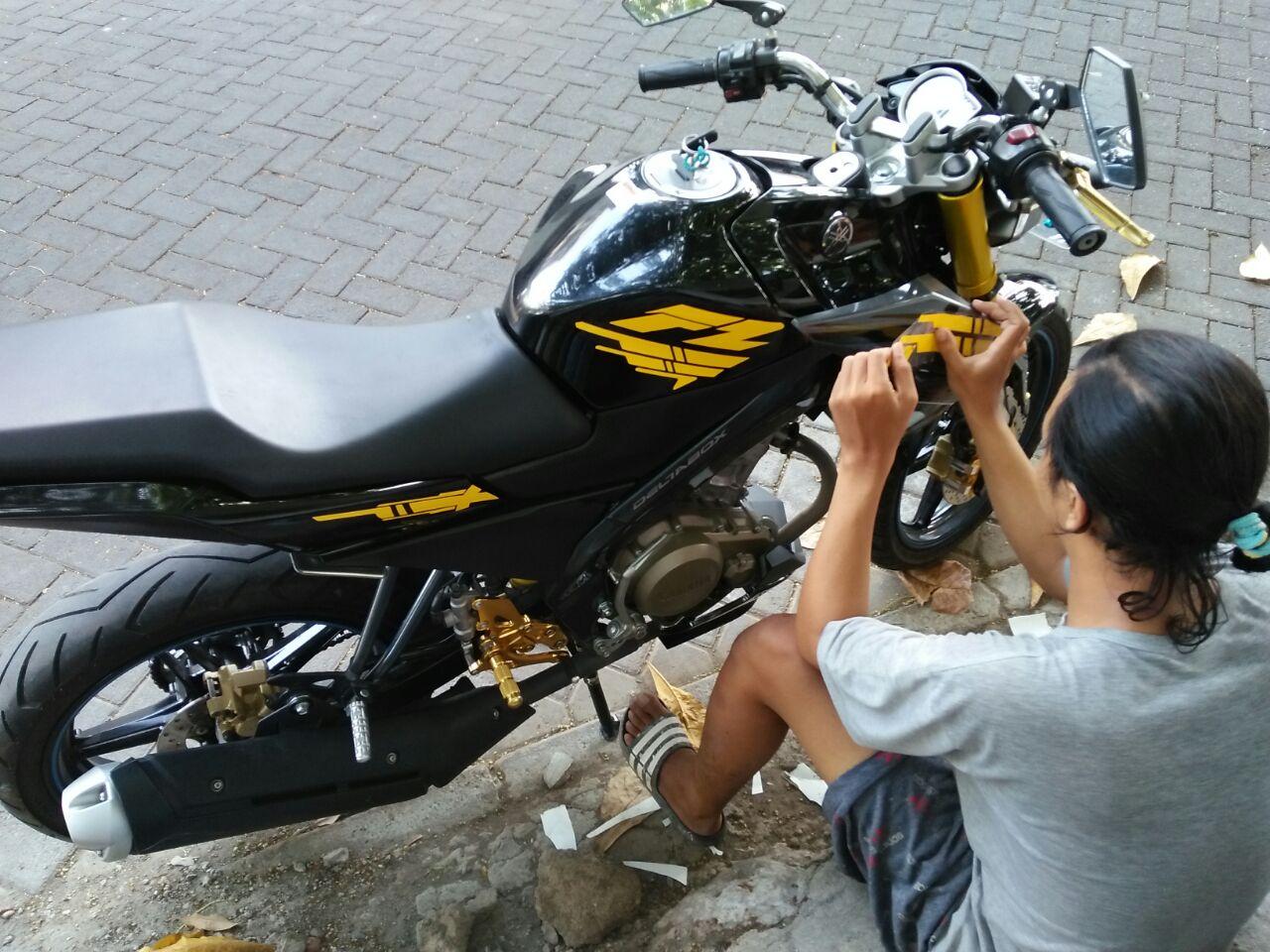 kumpulan tempat cutting sticker motor  cikarang