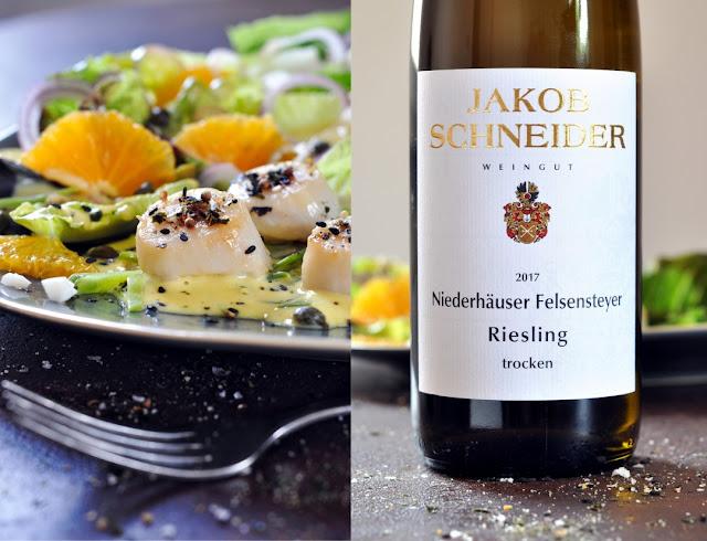 evilla-Salat mit Jakobsmuscheln und Felsensteyer Riesling