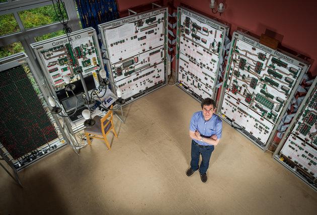 Pria ini membangun Supercomputer seharga $ 53.000 hanya untuk bermain Tetris