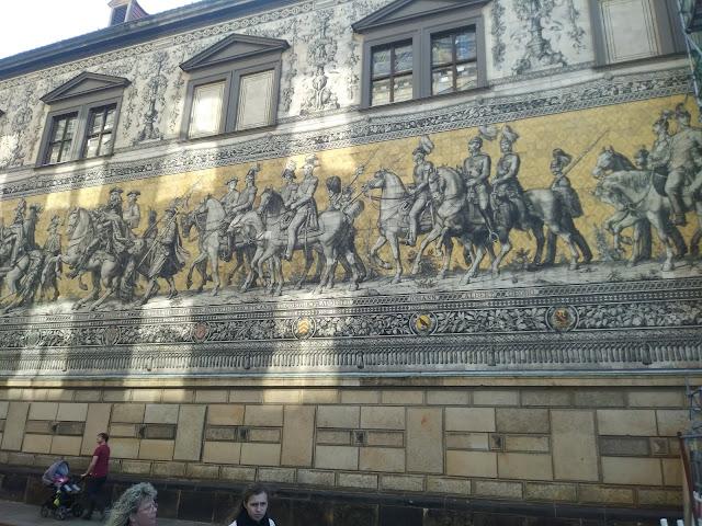 קיר הנסיכים הסקסוניים - דרזדן