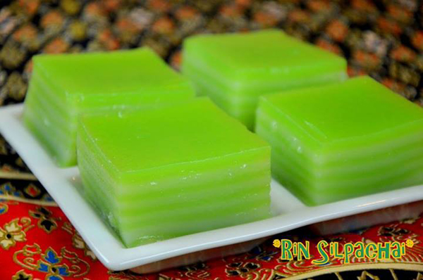 Pandanus Layer Sweet Steam Rice Cake (Kanom Chan)