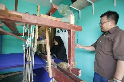 Prospek perajin Tenun di Indonesia