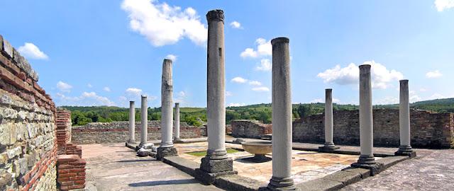 Sisa-sisa Istana Kekaisaran Felix Romuliana