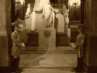 Soldados Guarnecendo o Jazigo do General San Martín, na Catedral de Buenos Aires