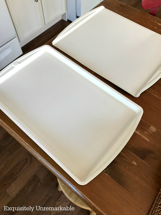 DIY Cookie Sheets Spray Painted White