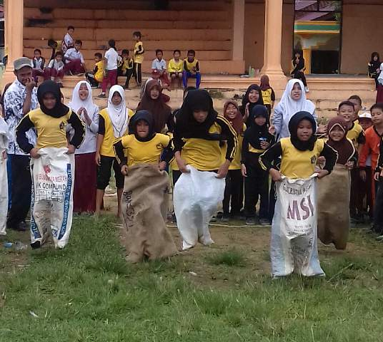 Hari Guru di SDN 1 Rimo Aceh Singkil Meriah