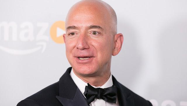 ثروة جيف بيزوس تتخطى عتبة الـ 100 مليار دولار بفضل المبيعات القوية لأمازون