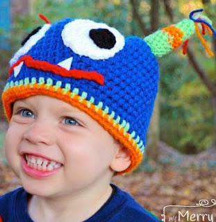 http://translate.google.es/translate?hl=es&sl=en&tl=es&u=http%3A%2F%2Fmymerrymessylife.com%2F2012%2F11%2Fcrochet-monster-hat-free-crochet-pattern.html
